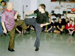 Meister Lok Yiu beim Unterricht - hier mit Si-Fu Peter Kozar