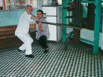 Meister Lok Yiu und Meister Lok Kwong beim Training mit dem Langstock