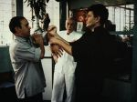 Meister Lok Kwong und Si-Fu Wilhelm Blech üben unter der Aufsicht von Meister Lok Yiu